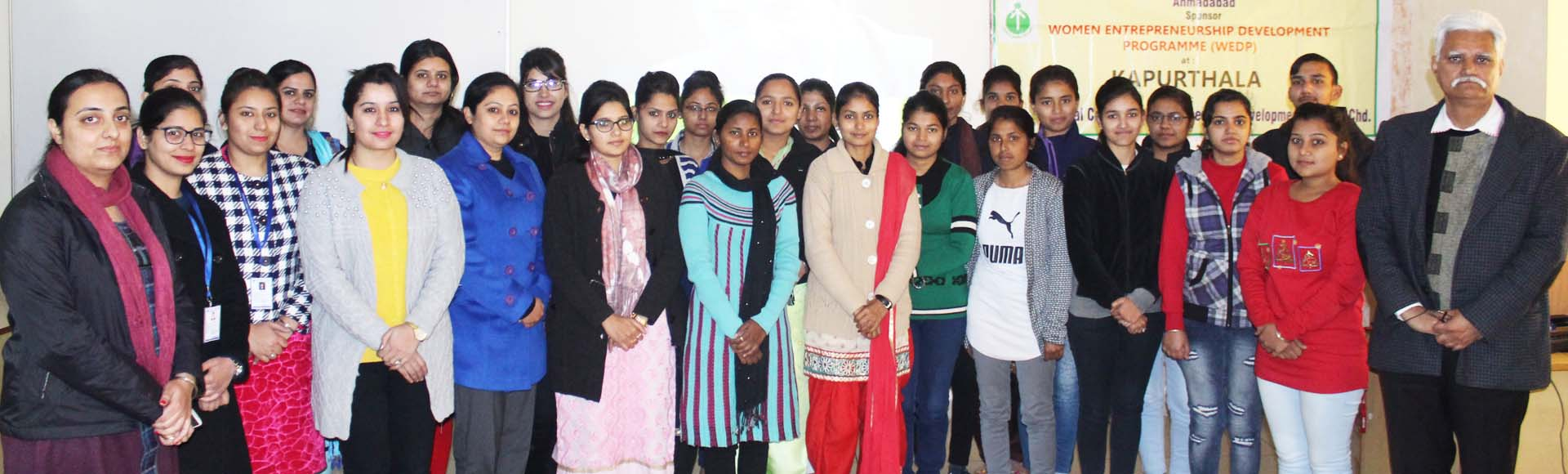Students visited Jang-E- Azadi